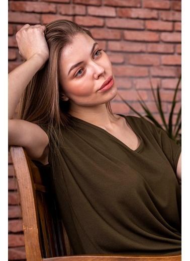 Stamina  Bayan Derin V Yaka Düşük Kısa Kol Bluz-5VS13 Haki
